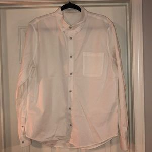 Lululemon Men's Buttondown dress shirt